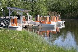 elboats_iso.jpg 100k