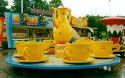 big_teacups.jpg 67k