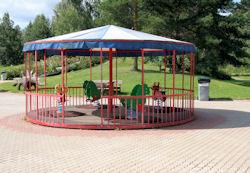 carousel2_iso.jpg 88k