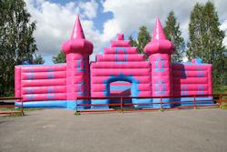 castle4_iso.jpg 74k